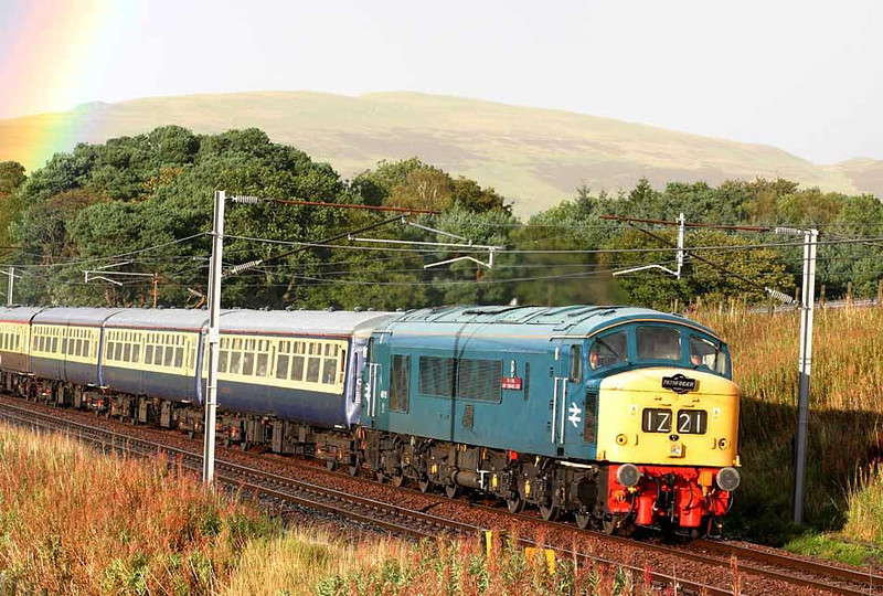 45112 returning from Edinburgh to Newtown with 1Z21 just north of Abington, 18th September 2004. Image supplied by Peter Kellett
