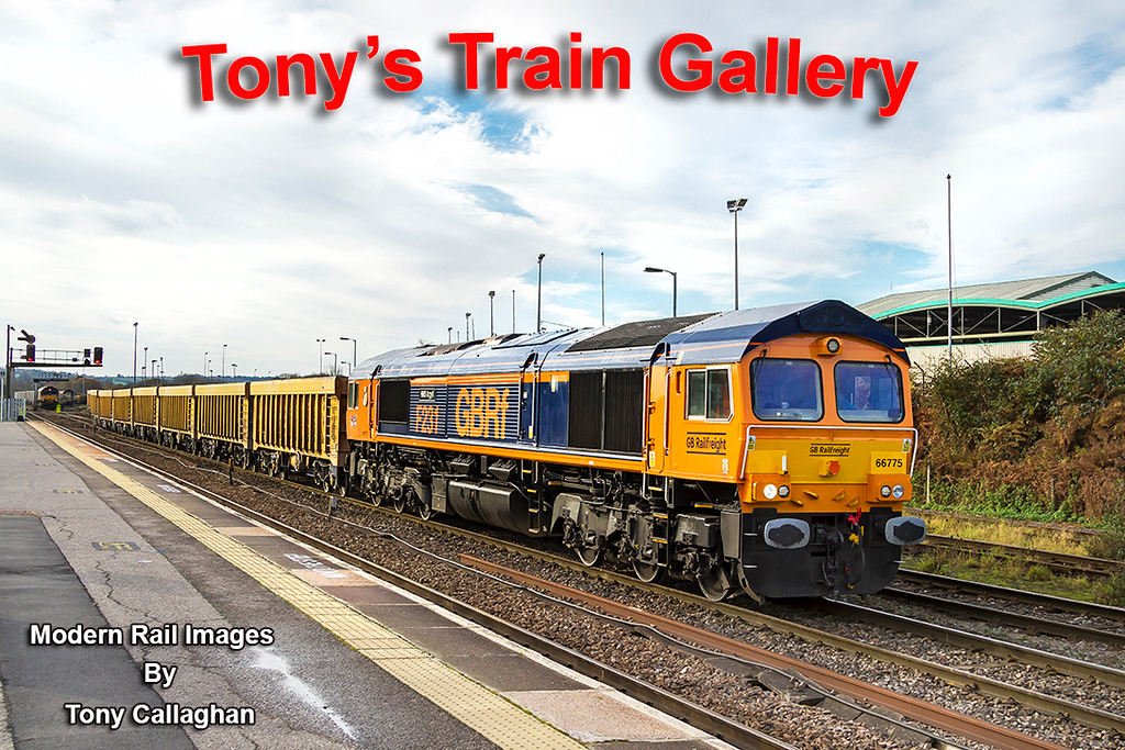 16th Nov 2017:  For the 2nd time this week 66775 'HMS Argyll' is tasked with running 6M40 to Stud Farm from Westbury.   The JNAs will be refilled with Granite which will be brought back to top up the Virtual Quarry and used as track ballast
