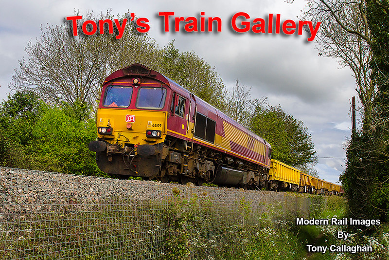 1st May n2017:  66109 climbs through Penleigh as it works, 6O41 frpm Westbury tpo Eastleigh.  A shame the sun dies at the last moment, it came out for the back onf the train of course
