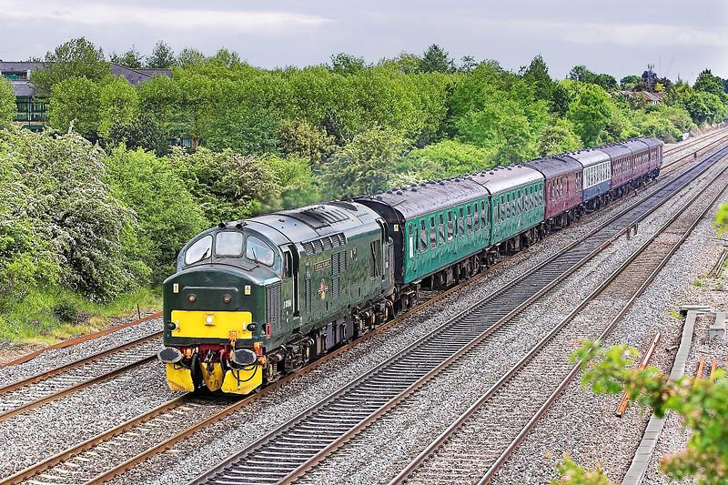 29th May 06: 37411, 5Z20, Old Oak to Tavistock Junction ECS move