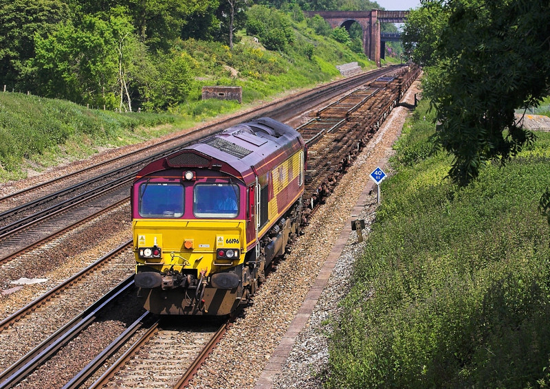 5th Jun 07:  66196, 7Y39 Hoo Junction to Eastleigh engineers running running almost an hour late