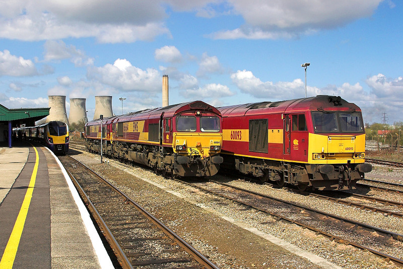 16th Apr 06:  Power at rest as 180104 waits with a service to Banbury. 66164 & 60093 stand bye