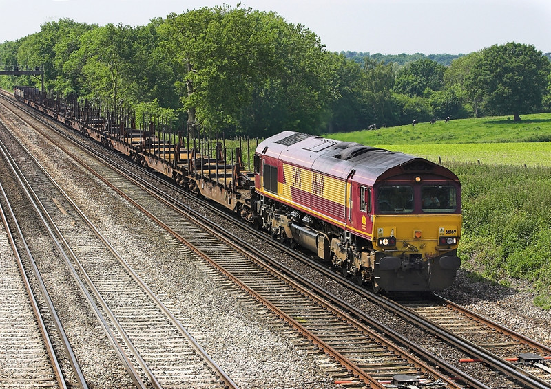 5th Jun 07: 66169, 6M44 Eastleigh to Wembley enterprise consisting mainly of Cargowagons