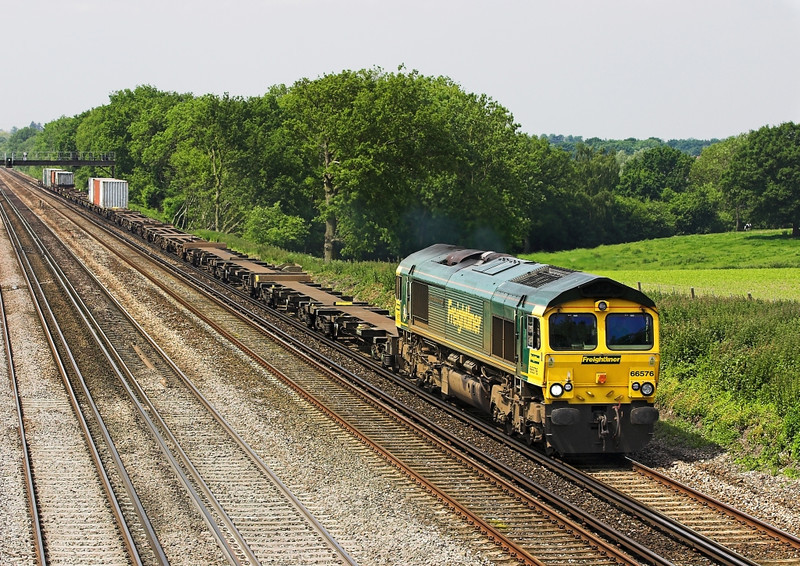 5th Jun 07: 159018 with an Exeter to Waterloo service