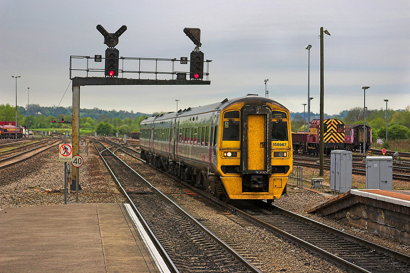 6th May 06: 158967 enters Westbury bound for Cardiff