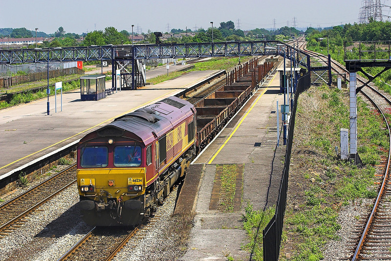 9th Jun 06: 66234 passes with empties from Bristol East Depot