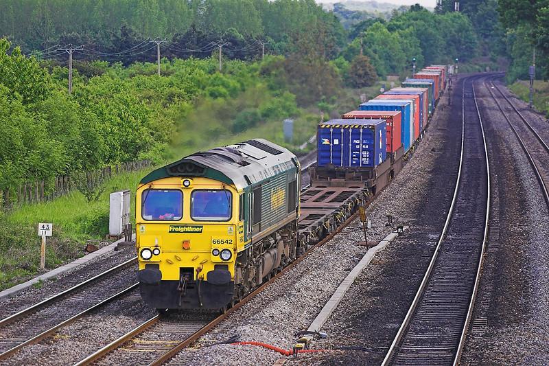 6th Jun 06:  66542 has a long way to go with 1S59 Southampton to Coatbridge