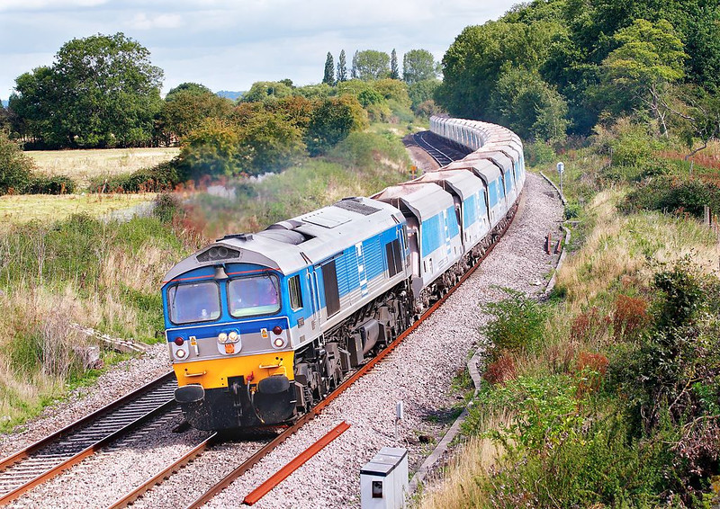 30th Aug 06:  59002 on the point of 7C77 from Acton to Merehead nears Midgham on the Berks & Hants line