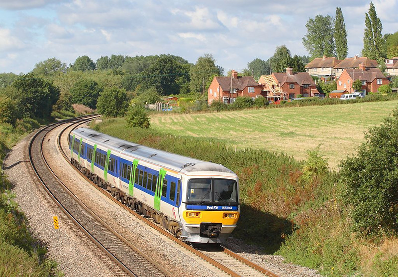 29th Aug 06:  166213 Hurries the 10.55 from Newbury away from the stop at Midgham