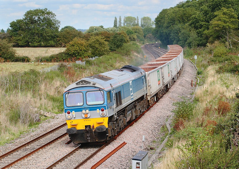30th Aug 06: 59004 wheels the 'as required' 6V67 Sevington to Merehead empty boxes towards Midgham