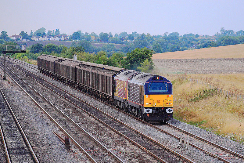 8th Aug 06:  With a dolly bird in the main seat 67006/67017 are in charge of 6M33 Enterprise service from Avonmouth to Wembley
