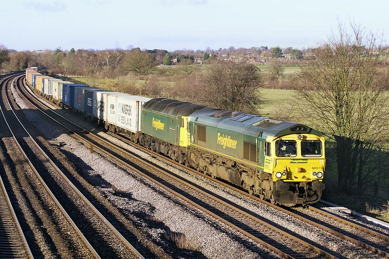 16th Dec 06:  66573 & DIT 57011cruise through Lower Basildon
