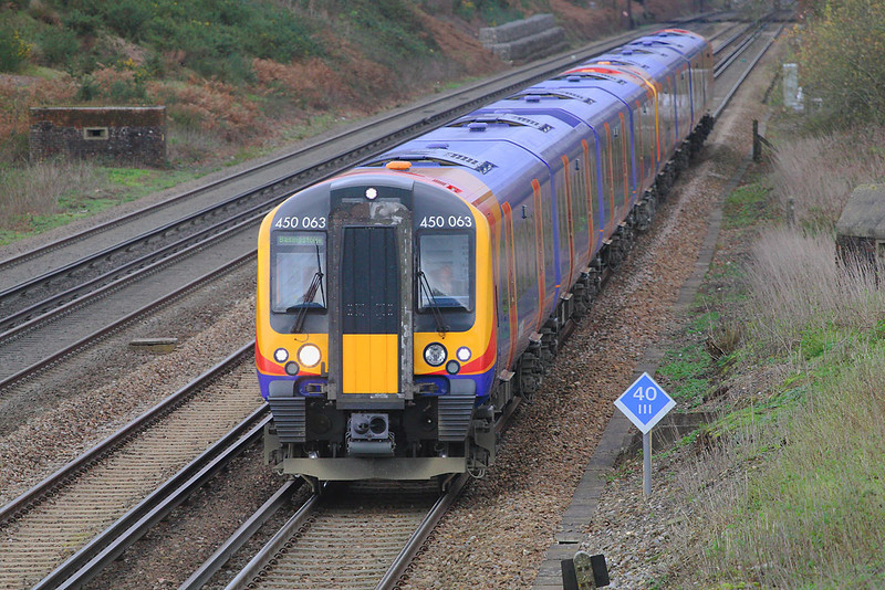 14th Dec 06  450063 trundles along with 9.12 stopper to Basingstoke