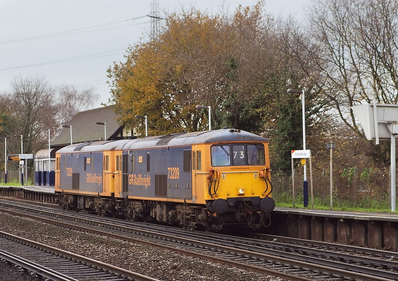 5th Dec 06:  73205/73209 journey from Eastleigh to Willesden. Byfleet & New Haw