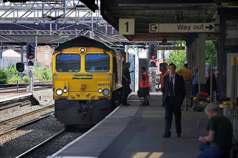 4th Jul 06:   66574 stops for  crew change in platform 1