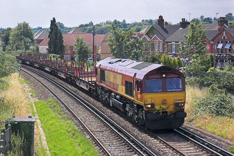 24th Jul 06:   66062 brings 6M44 Enterprise service from Eastleigh to Wembley