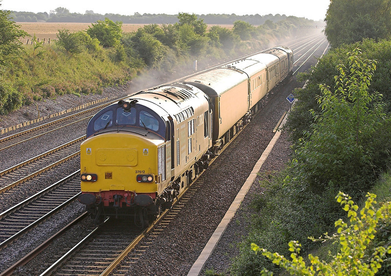 28th Jul 06: 37612 and 37607 thunder down the Main with a Serco test train