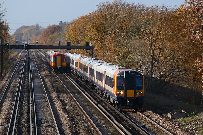 29th Nov 06:  444024/013 race an UID Wessex to London