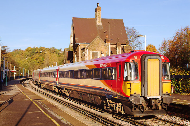 19th Nov 06:  442423 hurries through Godalming with a diverted service