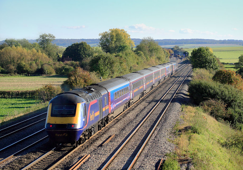 2nd Nov 60:  Contrast in livery styles
