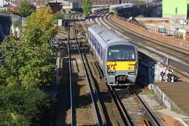 9th Nov 06:  Still in NSE livery 458007arrives at Wandsworth Road with a Victoria to London Bridge shuttle service