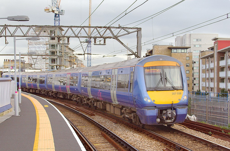 19th Oct 06:  357038 crawls round the sharp bend at Limehouse on it's way to Fenchurch Street