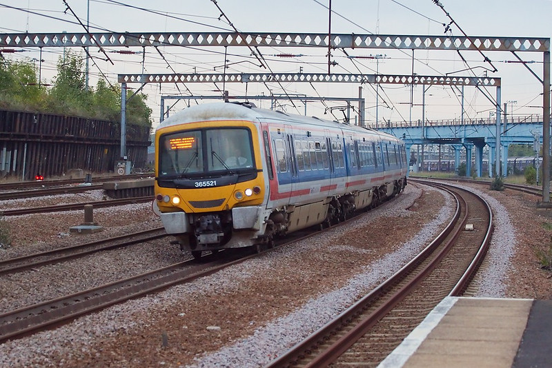 19th Oct 06:  65521 southbound.  Light now very dire ! 250 @ f4.  ISO 1250