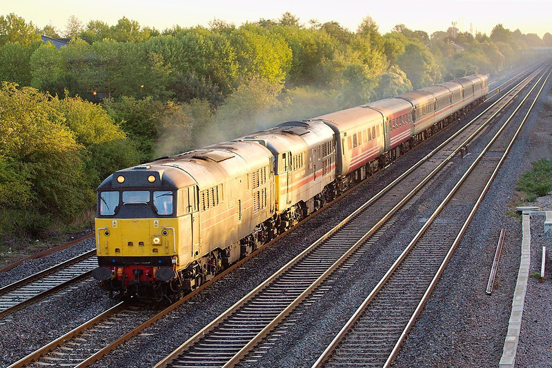 7th Oct 06:  31252 & 31454  on 1Z93 from Barking to Minehead
