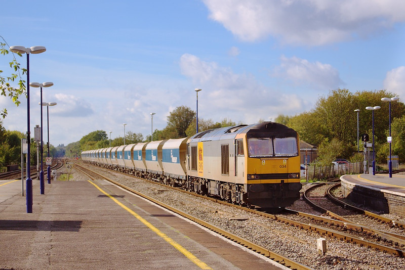 21st Oct 06:  60034 heads the Whatley Quarry to St Pancras as required loaded stone