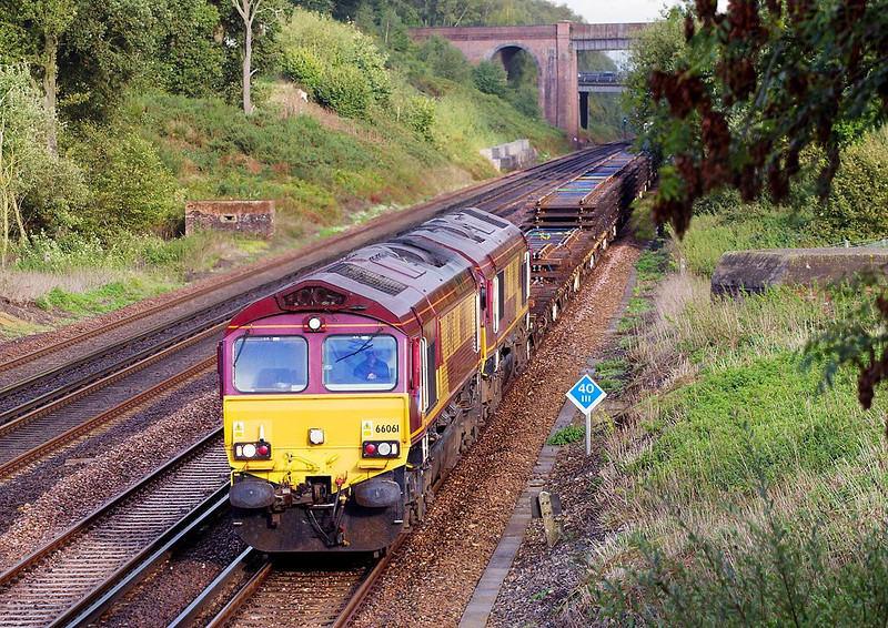 2nd Oct 06:  66061 and 66020 bring redundant track pannels towards Eastleigh. 6Y42 from Hoo Junction