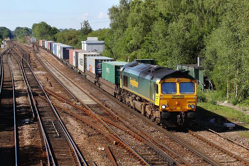 25th Aug 06:  66573, 4E44 Southampton to Leeds