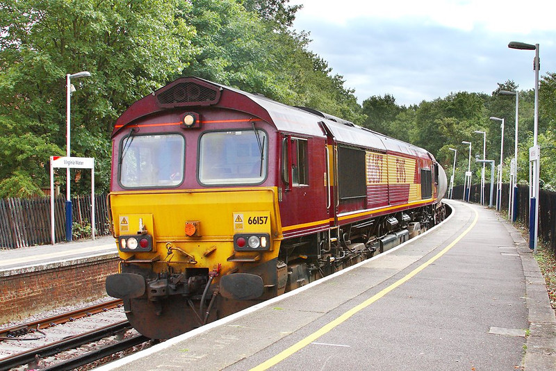 5th Sep 06: 66175 crawls round the very sharp curve and prepares to stop with 6M44 Eastleigh to Wembley Enterprise service