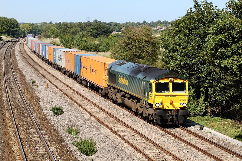 8th Sep 06:  66577, 4O54 Leeds to Southampton through Lower Basildon