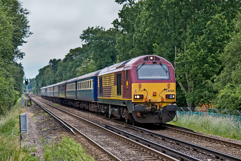 18th Jun 08:  The Manchester special again with 67020 in charge and bang on time charges through Martins Heron