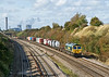 9th Oct 08: 4O27 from Ditton  with 66567 on the point leaves the power station behind as it nears Sands Road