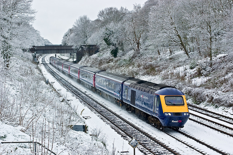 """6th Apr 08: """"Sonning Snow""""  The overnight covering had not started to melt as 43147 accelerated towards London"""