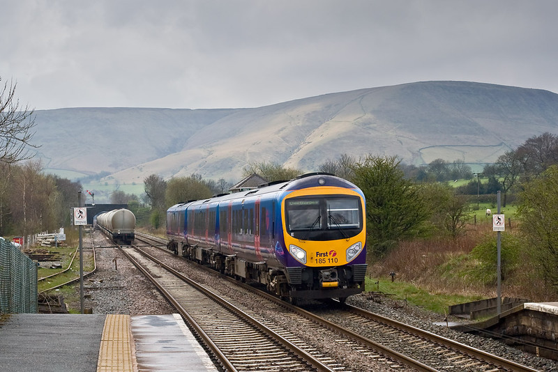 28th Apr 08:  185110 races through Edale.  I arrived too late to picture the cement tanks grinding up the grade to Cowburn Tunnel