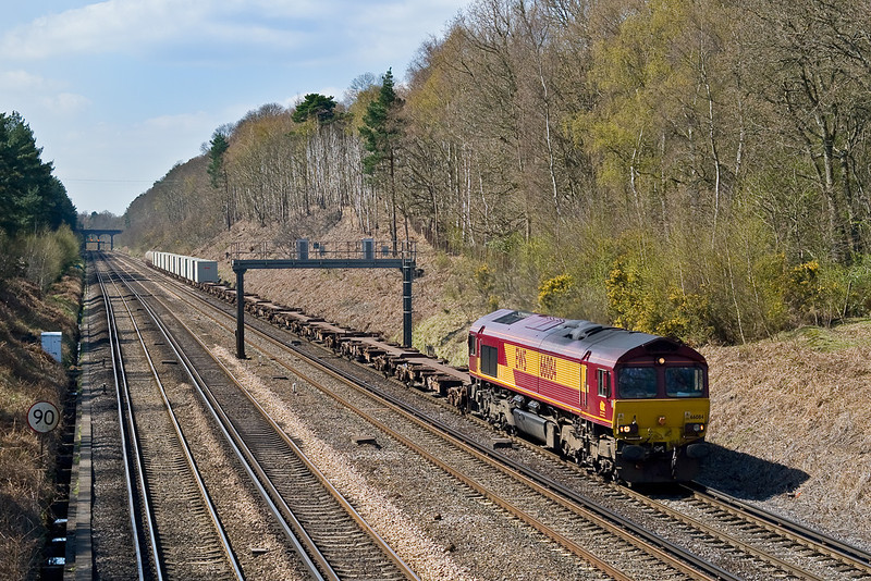 15th Apr 08:  4M66 with 66084 at the helm makes for Wembley from Eastleigh