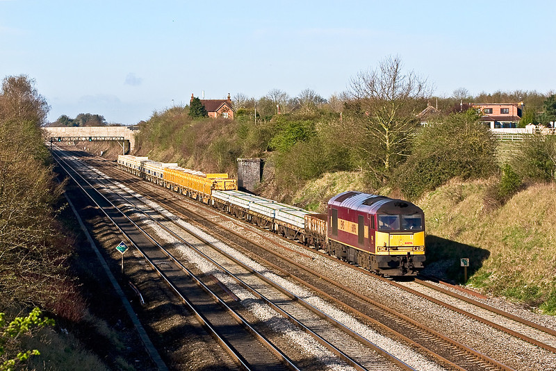 5th Apr 08:  A welcome  surprise was 60096 working 6F54 departmental from Didcot to Acton with driver Brian Daniels in the chair.