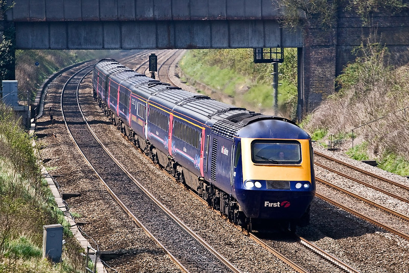 22nd Apr 08: 43143 accelerates through the Sonning Cutting and passed the site of Woodley Signal Box