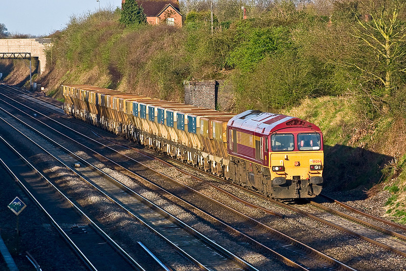 5th Apr 08:  59204 brings Saturday's 6A13 from Theale (07.34) to Acton passed Breadcroft Lane, Maidenhead