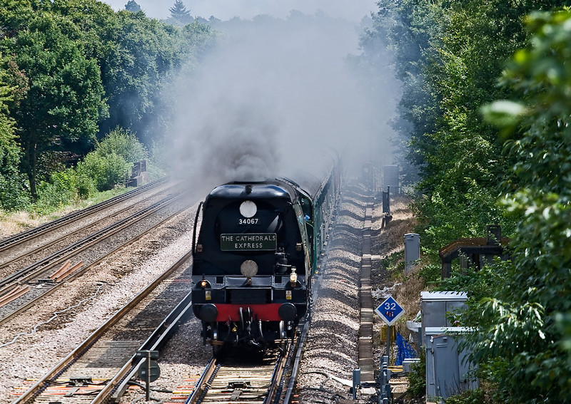7th Aug 08:  Tangmere going well on the slow with a Cathex from Waterloo to Salisbury