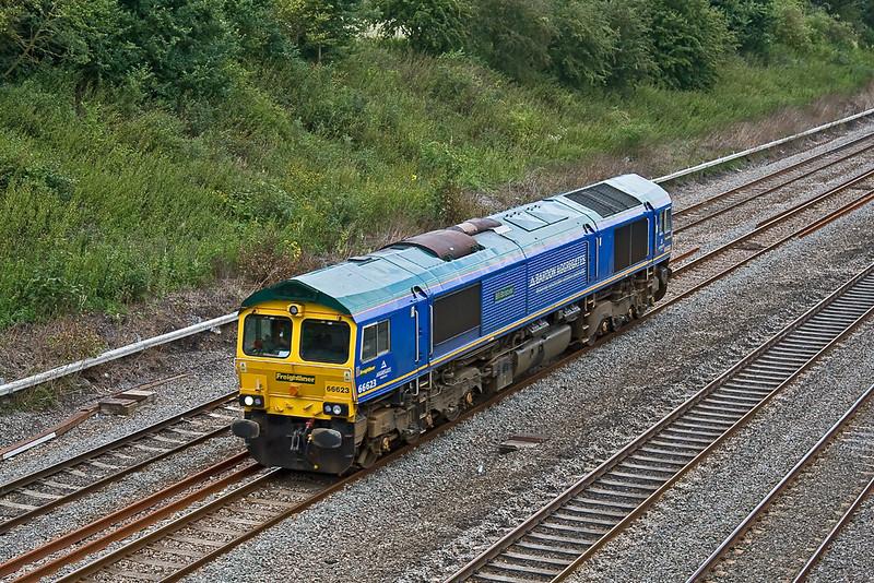 4th Aug 08:  66623 'Bill Bolsover' running light back to Taunton from West Ealing