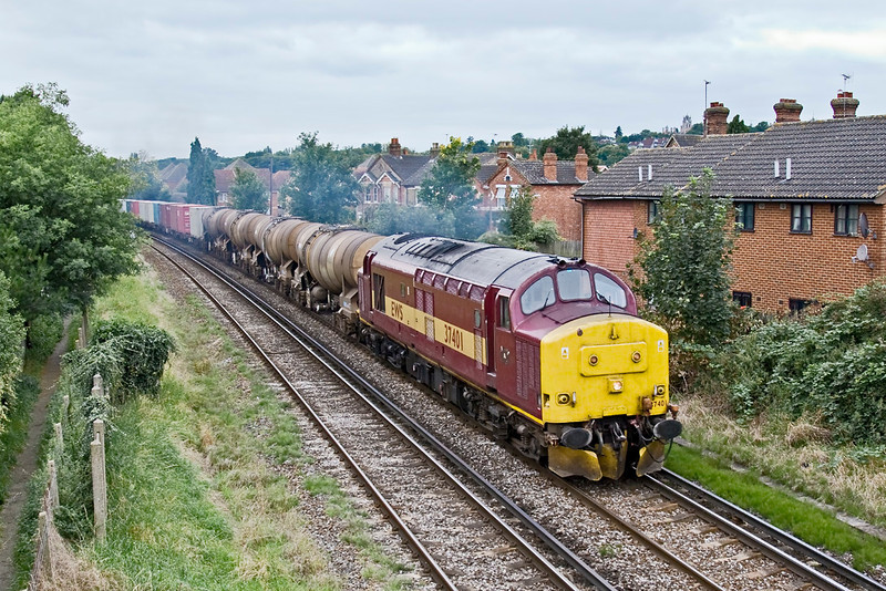 26rd Aug 08:   37401 is tasked with 6M44 from Eastleigh to Wembley Enterprise service..  This service no longer runs unfortunately