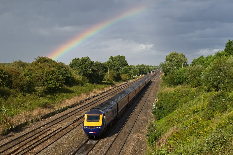 12th Aug 08: 43135 nears Twyford under the remains of a rainbow