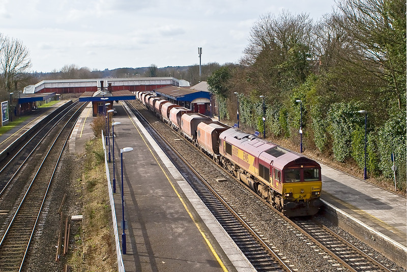 25th Feb 08: 6Z20 the 'Saintly Stones' to St Pancras from Whatley powered by a dirty 66009