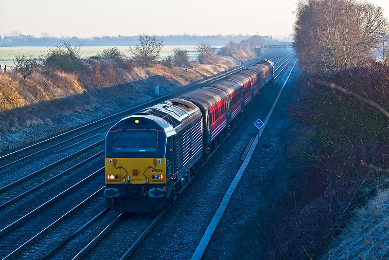 9th Feb 08: 67005 heads a Ruggex ECS move from Old Oak Common to Westbury through a frosty Shottesbrooke