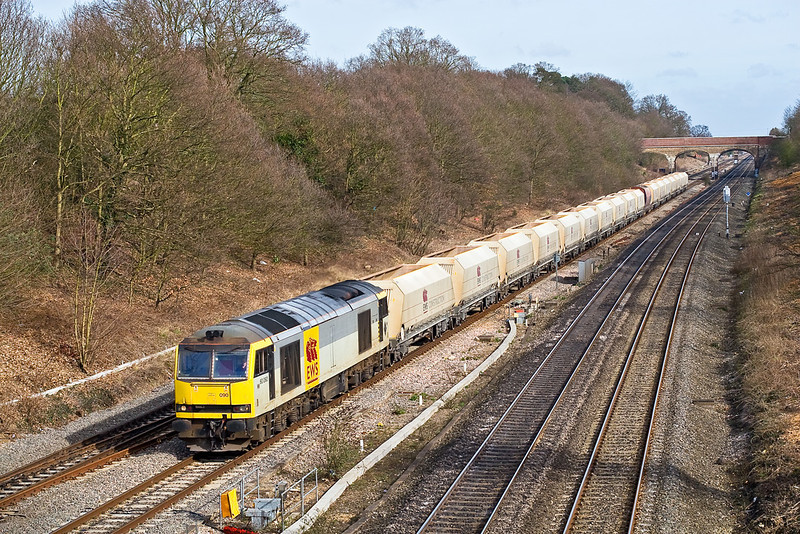 25th Feb 08: Running from Hothfield to Morton on Lugg 6Z16 is powered by 60090