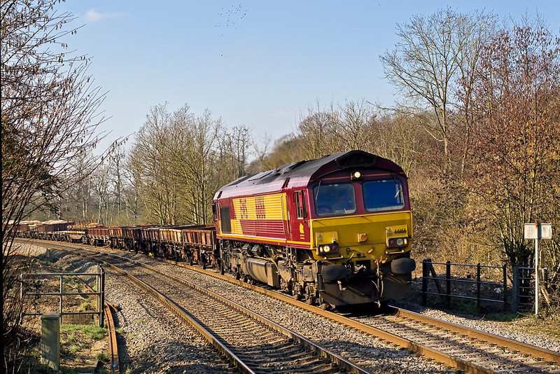 16th Feb 08:  66166 leads the 6W32 from Westbury to Didcot through Midgham