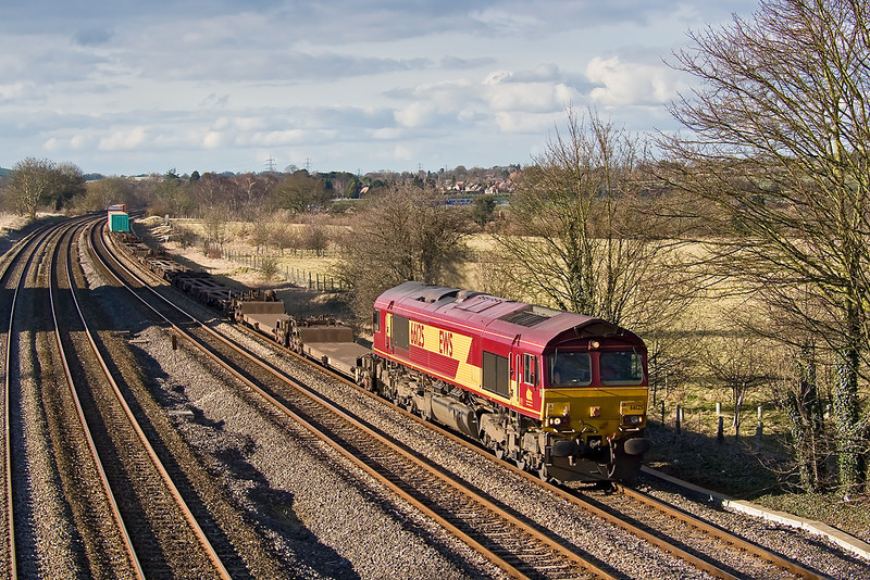 27th Feb 08:  66125 at Lower Basildon as it heads south on 4O21 from Burton on Trent
